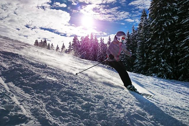 Best Skiing Destinations in Uttarakhand
