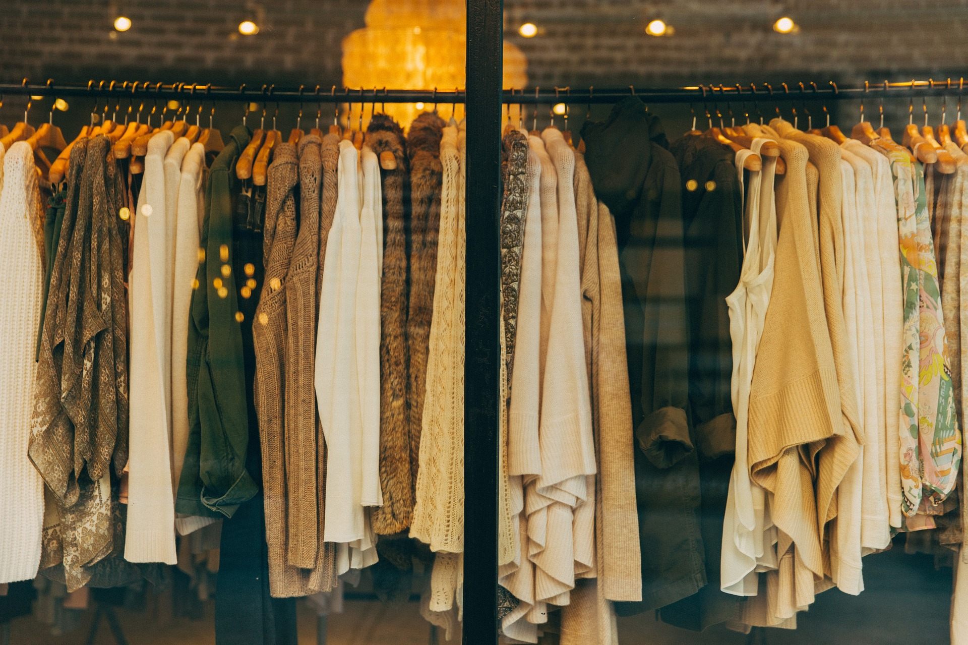 What to wear while traveling on a holiday